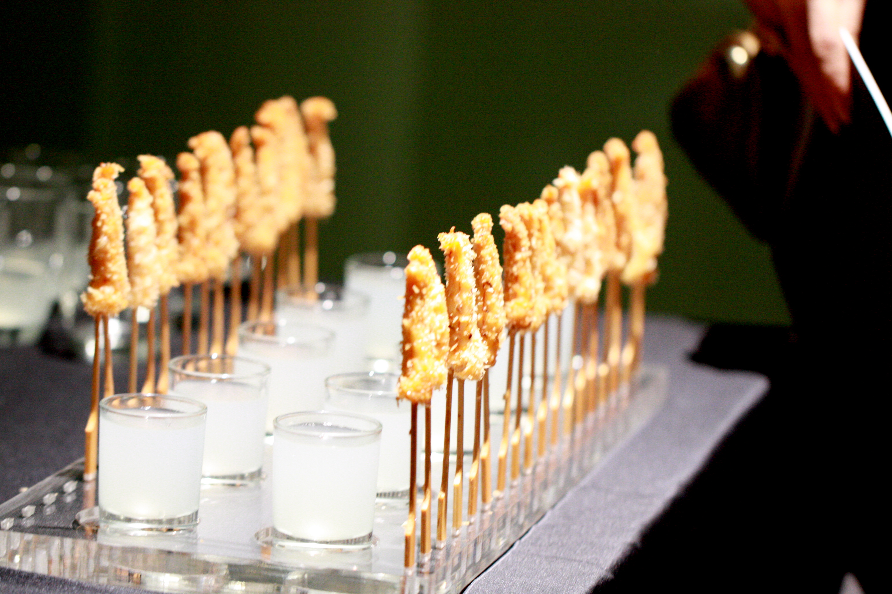 Modern canape finger food ideas on pinterest banana for Canape orientale